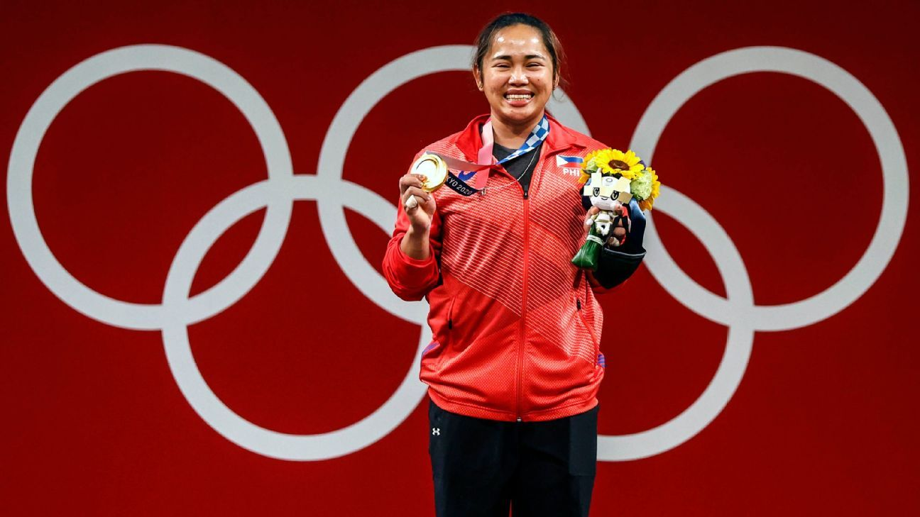 Weightlifter Hidilyn Diaz wins gold, ends Philippines' 97-year drought