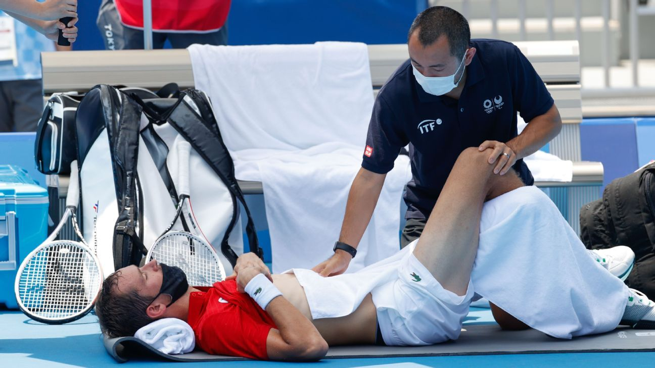 'I can finish the match but I can die' - Daniil Medvedev struggles with extreme heat in advancing to Olympic men's tennis quarters
