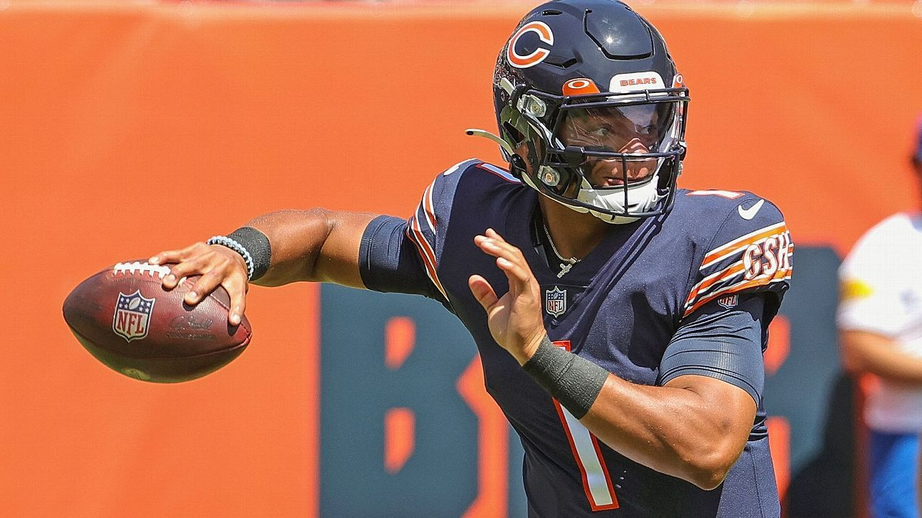 Chicago Bears rookie QB Justin Fields set for first start; Andy Dalton not expected to play due to knee injury
