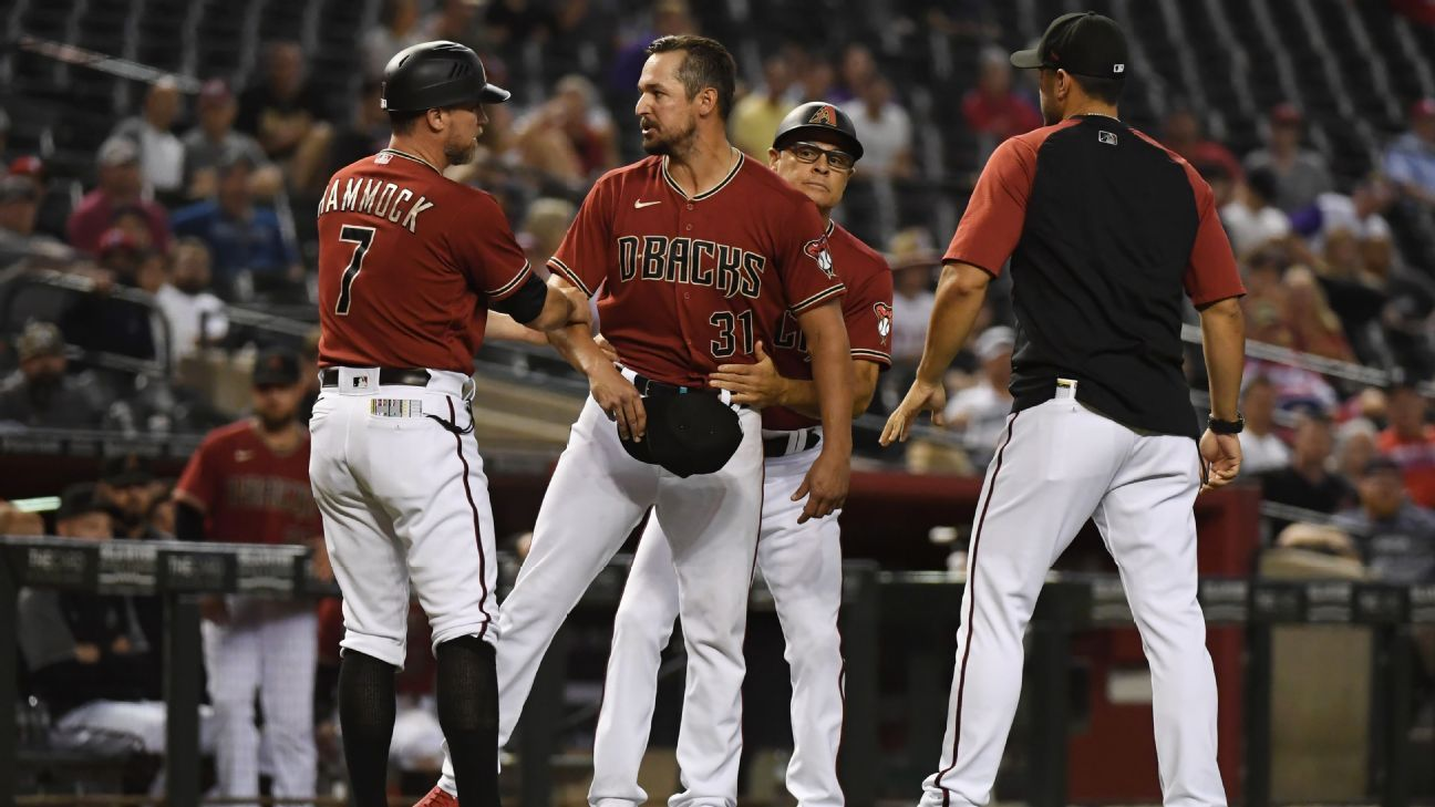 D-backs' Smith tossed after spots found on glove thumbnail