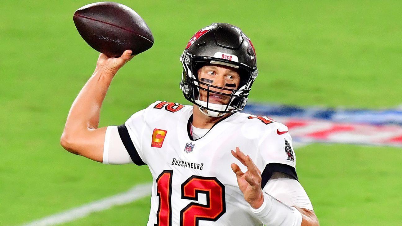 Tampa Bay Buccaneers' Tom Brady strikes first for TD, then Dallas Cowboys' Dak Prescott answers