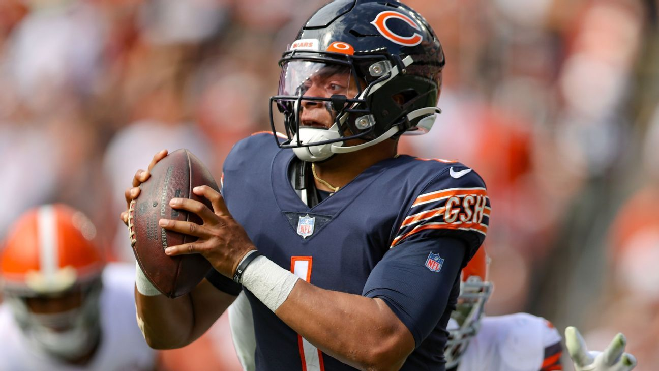 Chicago Bears QB Justin Fields says he'll be OK to play vs. Green Bay Packers
