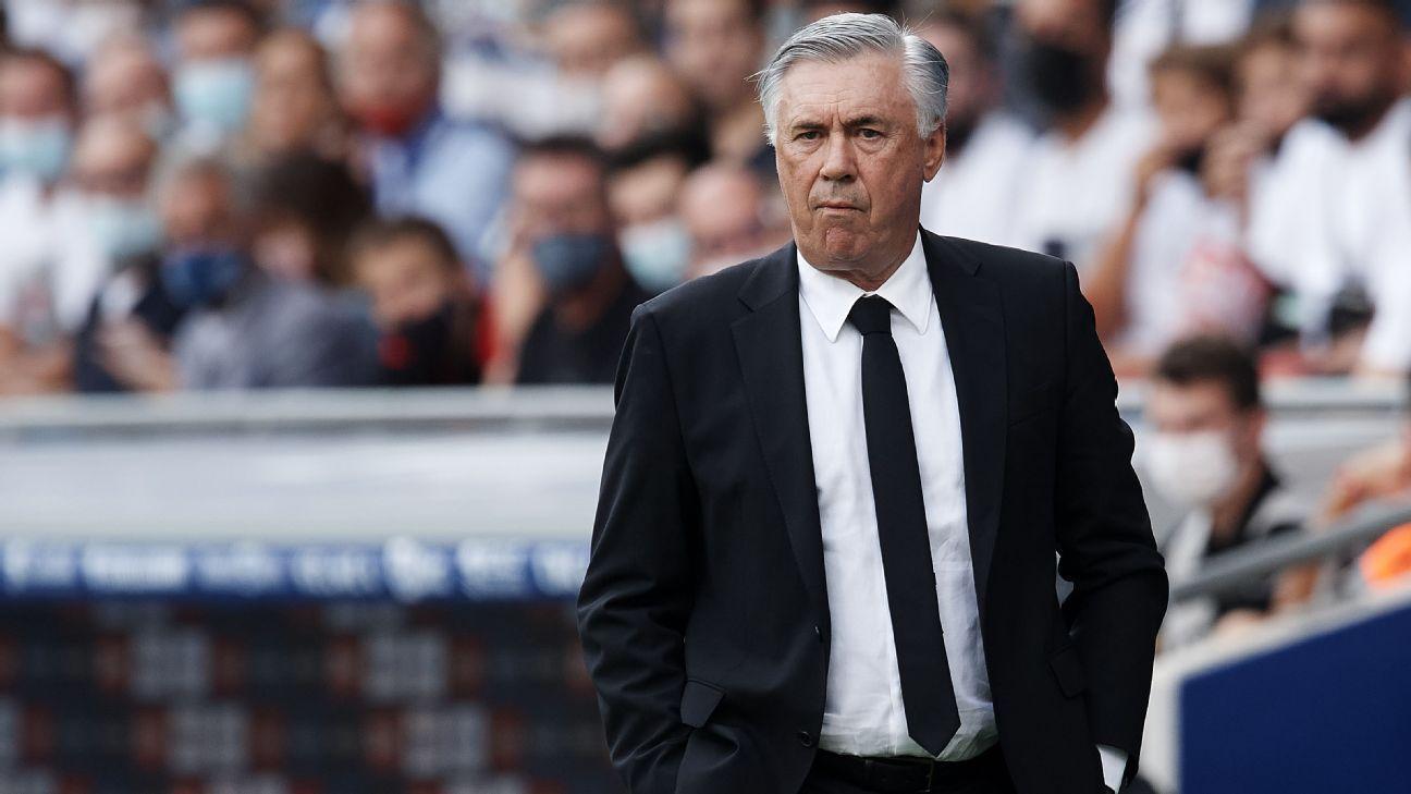 Real Madrid's Carlo Ancelotti contradicts Barcelona's Ronald Koeman: Clasico fear is 'positive' - ESPN