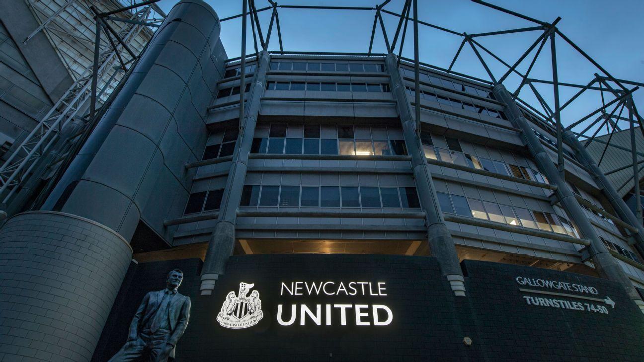 Newcastle backtracks over fans in Arabic attire