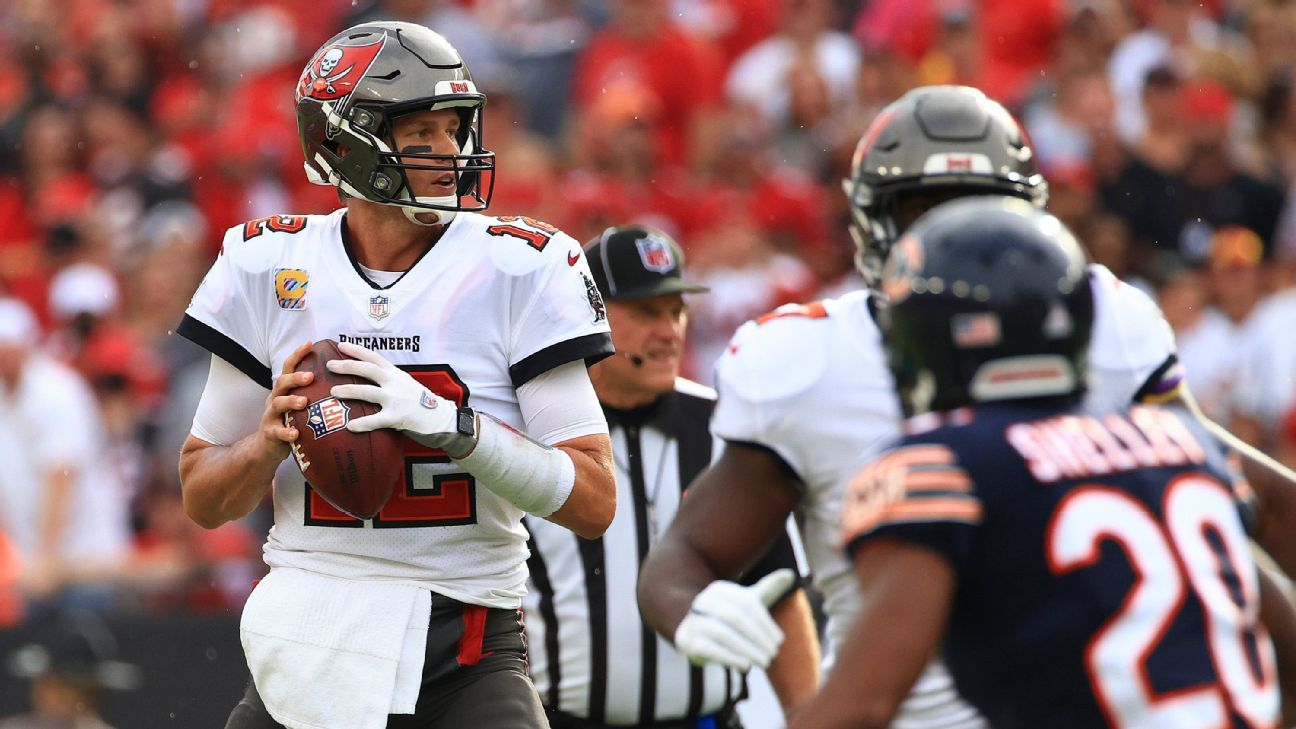 Tampa Bay Buccaneers' Tom Brady becomes first NFL QB to reach 600 passing TDs