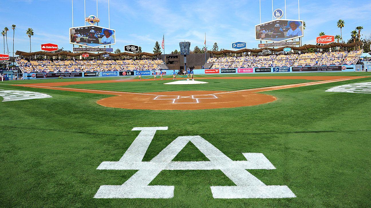 Phát thanh viên Jaime Jarrín của Los Angeles Dodgers Hall of Fame sẽ nghỉ hưu sau mùa giải 2022