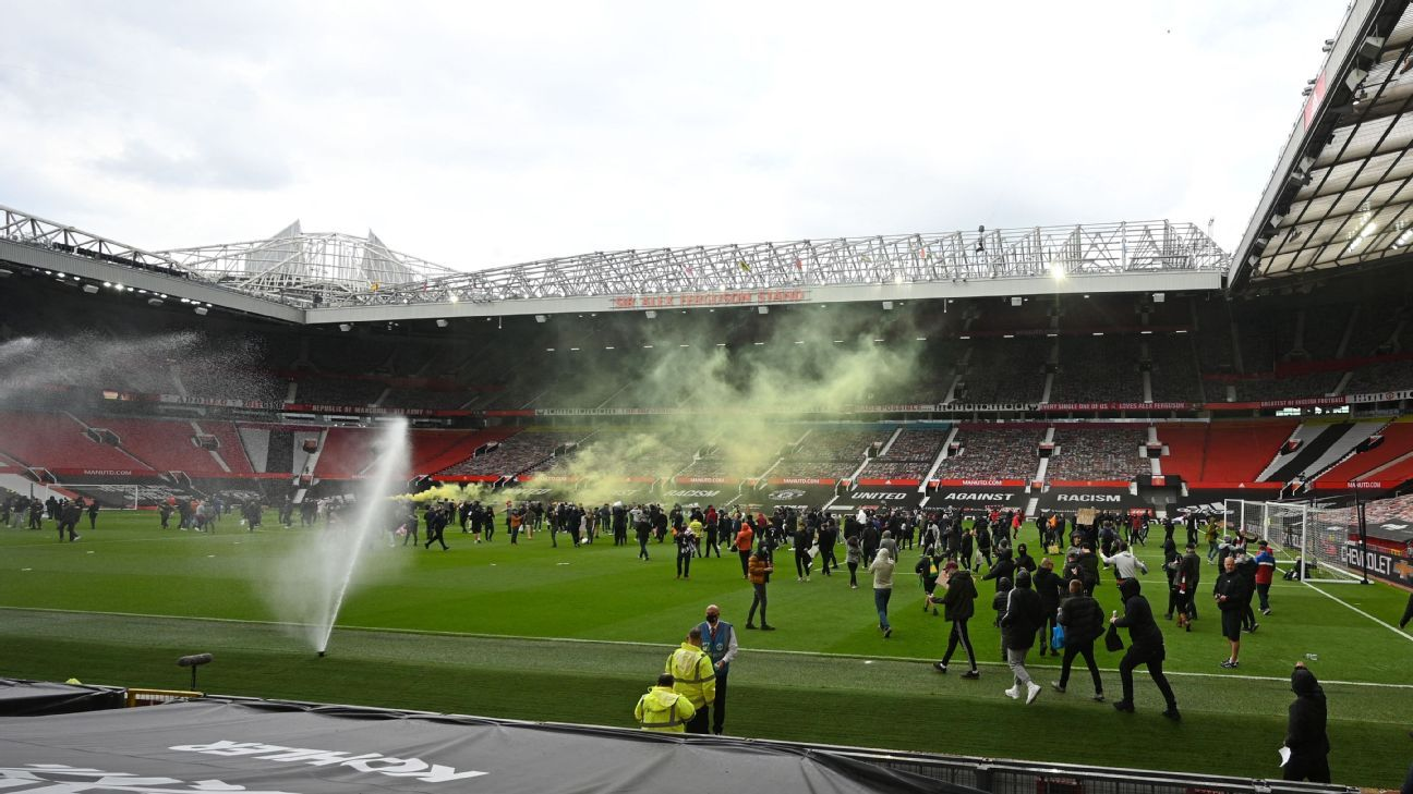 Man Utd dismiss reports of gate being left open